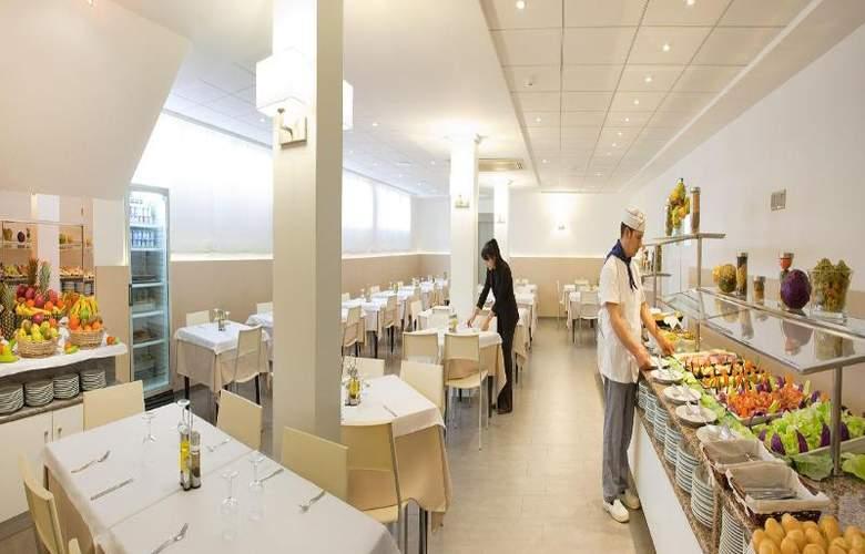 RH Estudios Sol - Restaurant - 2
