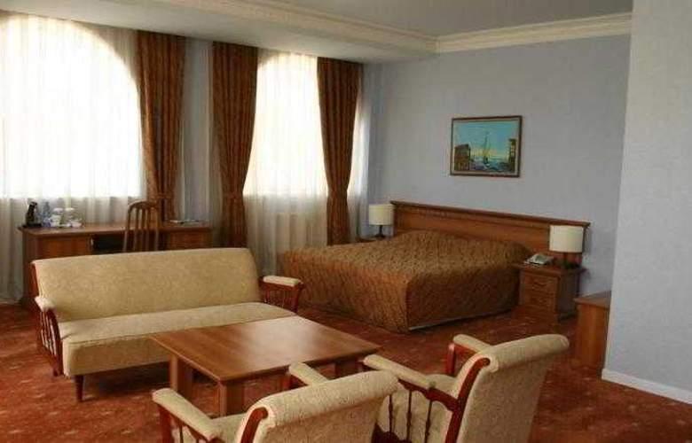 Caspian Palace - Room - 9