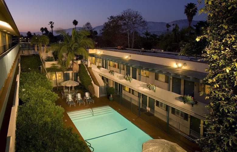 Best Western Beachside Inn Santa Barbara - Pool - 3