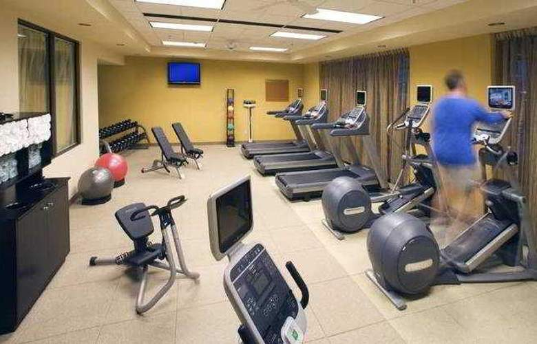 Embassy Suites East Peoria - Hotel&RiverFront - Sport - 4