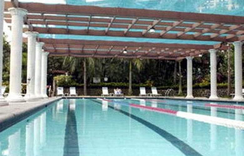 The Century Park - Pool - 3