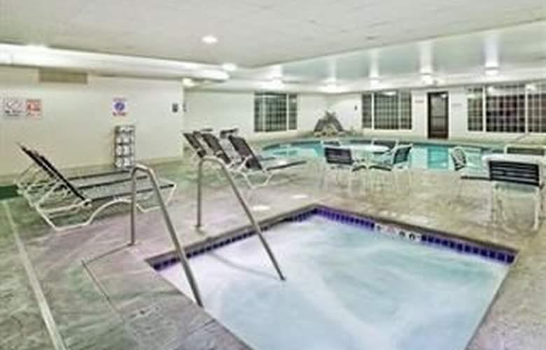 Holiday Inn Spokane Airport - Pool - 7
