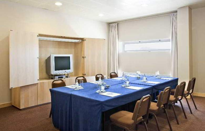 Holiday Inn Express Lisbon-Oeiras - Conference - 8