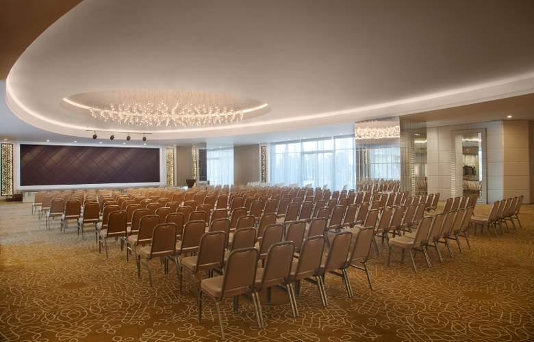 Akra Barut - Conference - 35