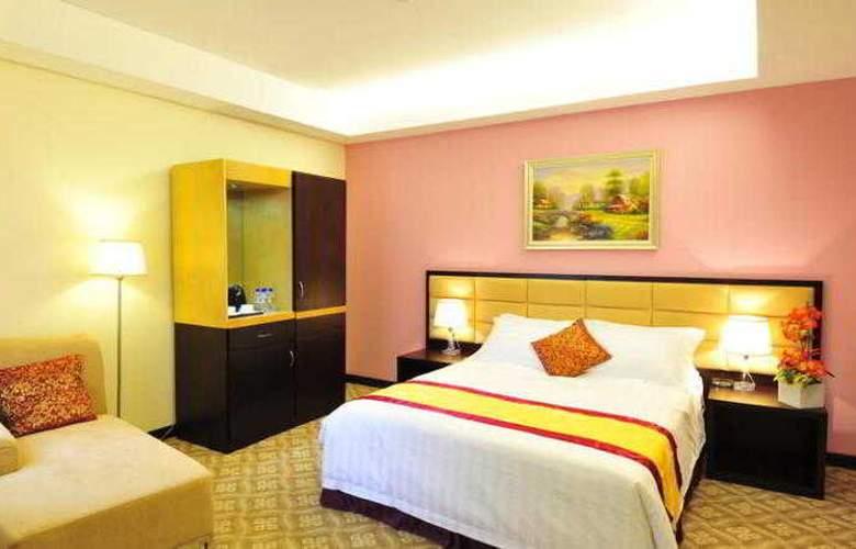 Hallmark Crown Hotel - Room - 17