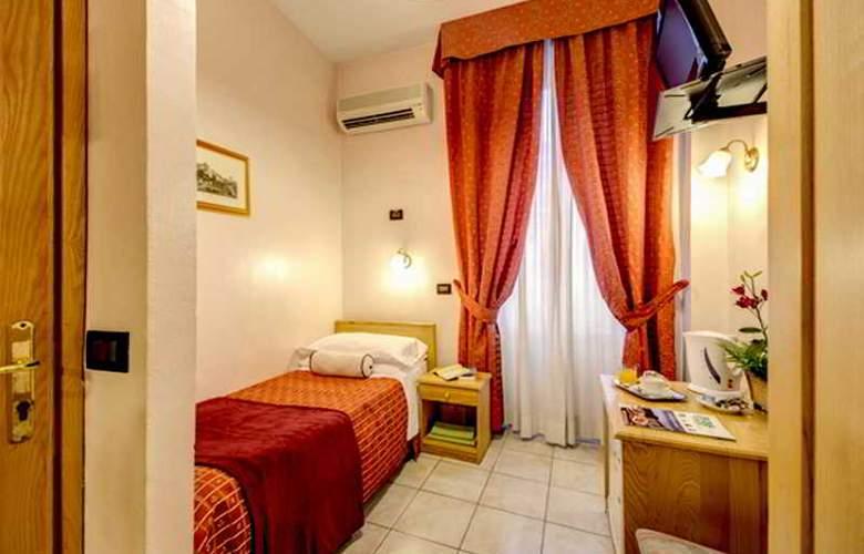 España - Room - 17