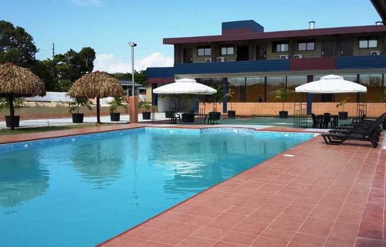 Express Inn Coronado - Pool - 2