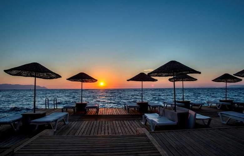 Charisma De luxe - Hotel - 13