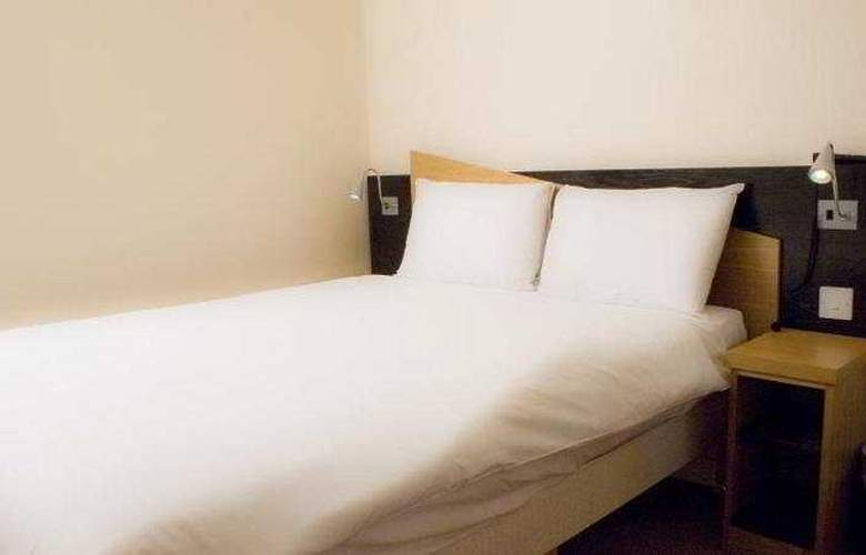 Comfort Inn SW8 -HSD - Room - 3