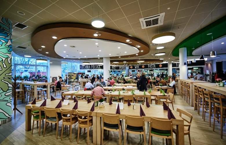 Sound Garden Hotel Airport - Restaurant - 5