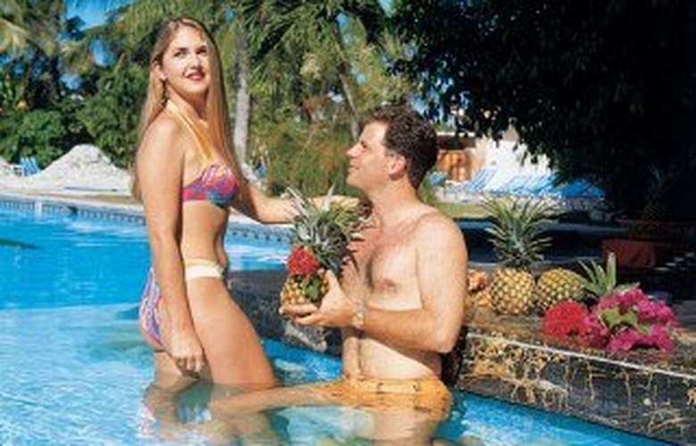Dominican Fiesta Hotel & Casino - Pool - 3