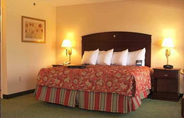 Hampton Inn Lima - Hotel - 7