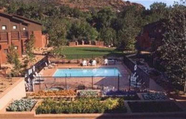 Amara Resort And Spa - Pool - 4