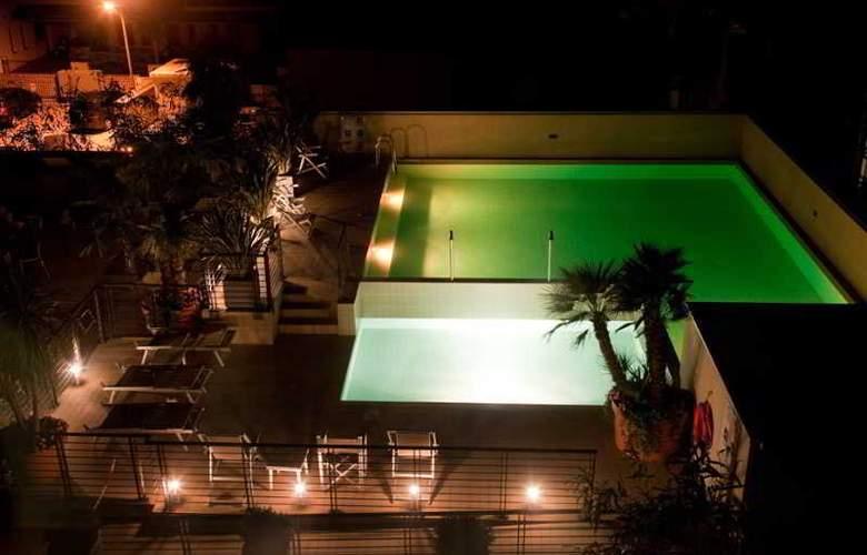 Eden Hotel - Pool - 3