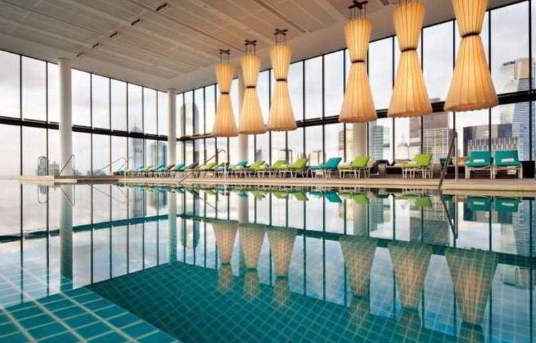 Crown Metropol - Pool - 11