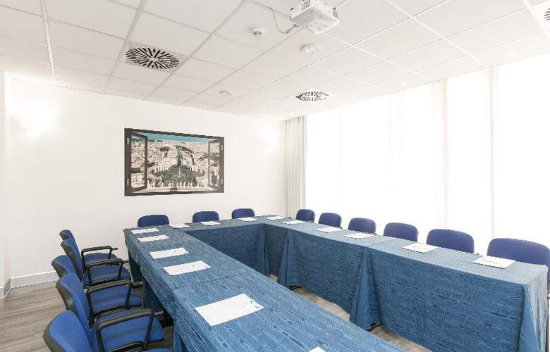 Holiday Inn Express Rome San Giovanni - Conference - 18