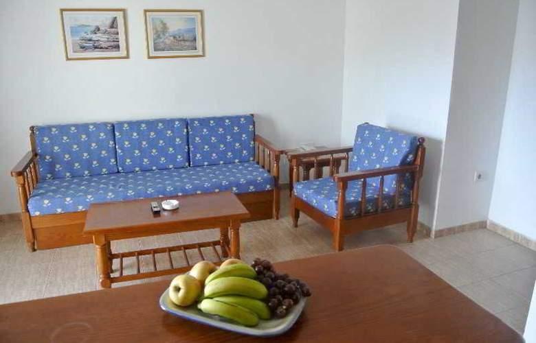 Rosamar - Room - 11