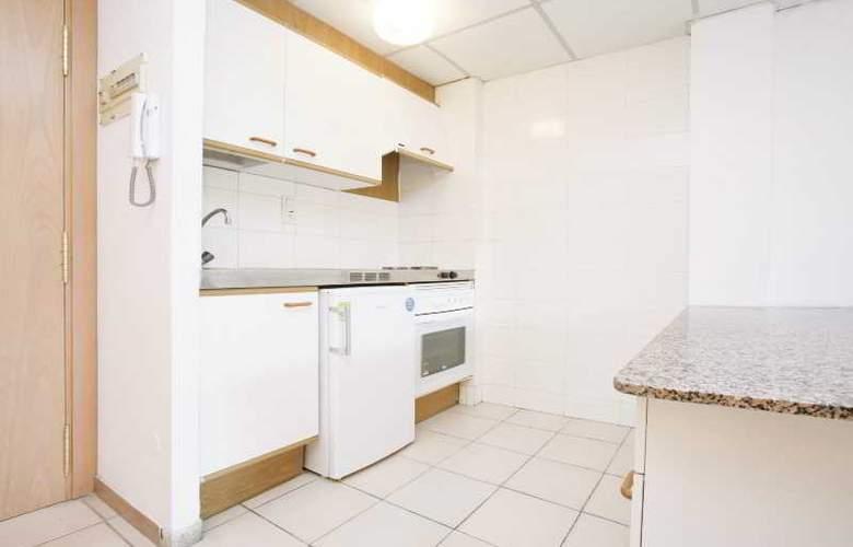 Cataluña Apartamentos - Room - 12