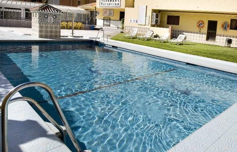 Hotel Apartamentos Veramar - Pool - 3