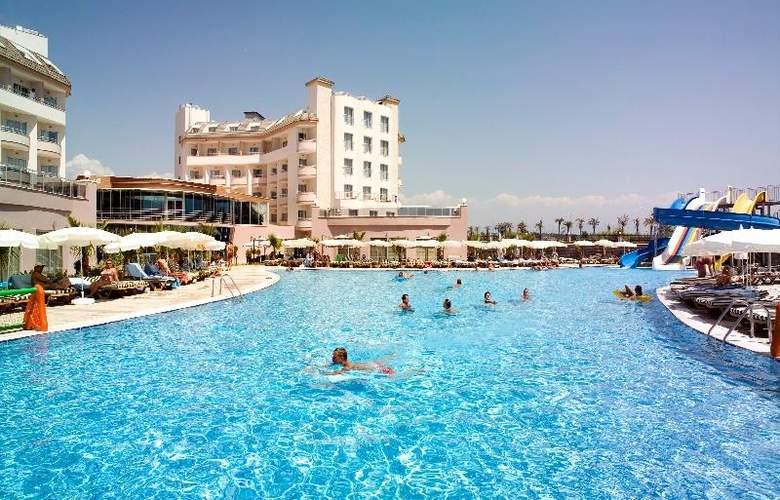 Lilyum Hotel - Pool - 11
