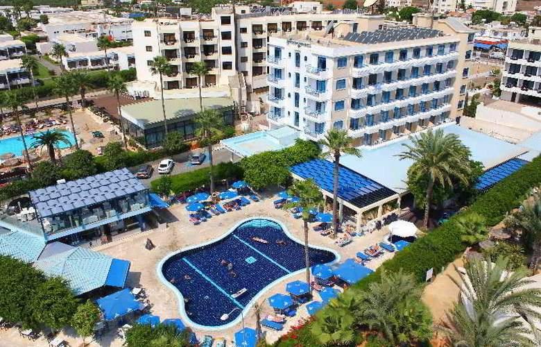 Anonymous Beach Hotel - Hotel - 1