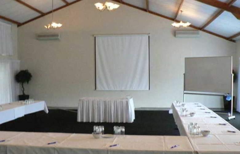 Comfort Inn & Suites Robertson Gardens - Conference - 9