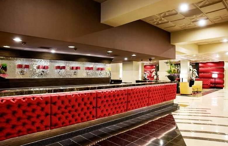 Plaza Hotel & Casino - General - 1