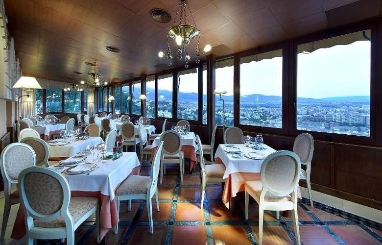 Alhambra Palace - Restaurant - 23