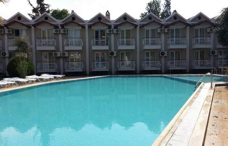 Grand Emir Hotel & SPA - Pool - 13