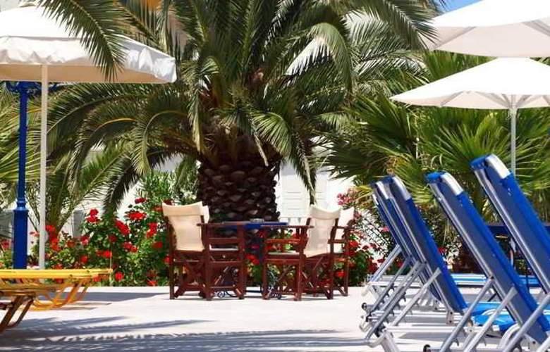 Albatros Hotel - Pool - 1