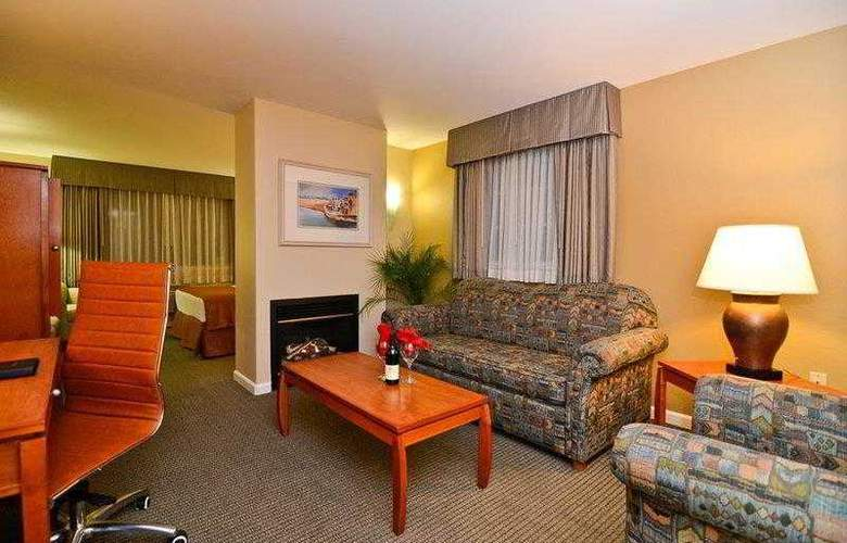 Best Western Plus Capitola By-The-Sea Inn & Suites - Hotel - 8