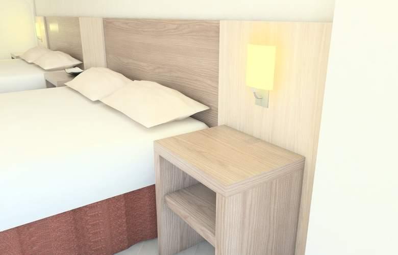 Adaria Vera - Room - 9