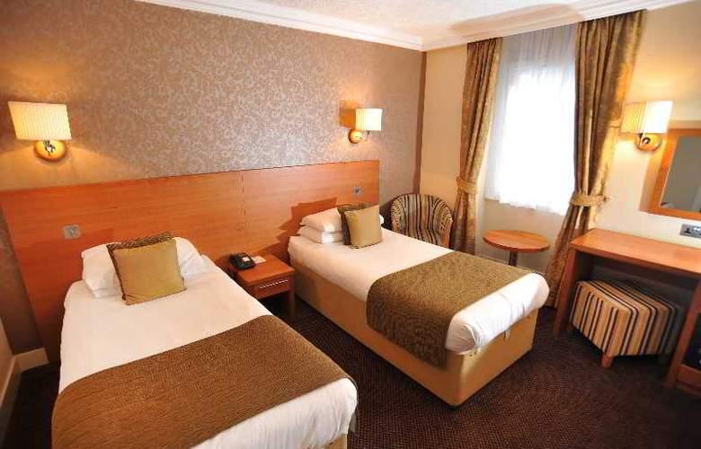 Golden Lion Hotel - Room - 0
