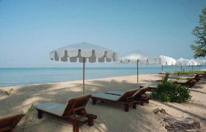 Andamania Beach Resort & Spa - Beach - 8