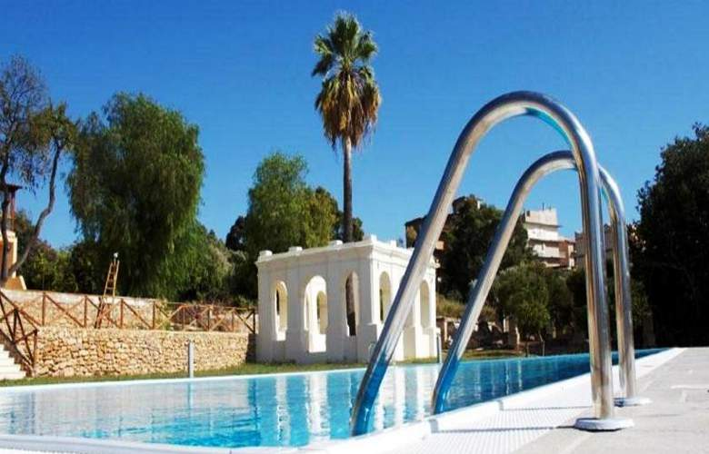 Villa Calandrino - Pool - 11