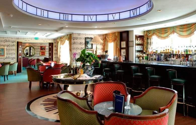 Disneyland Hotel - Bar - 5