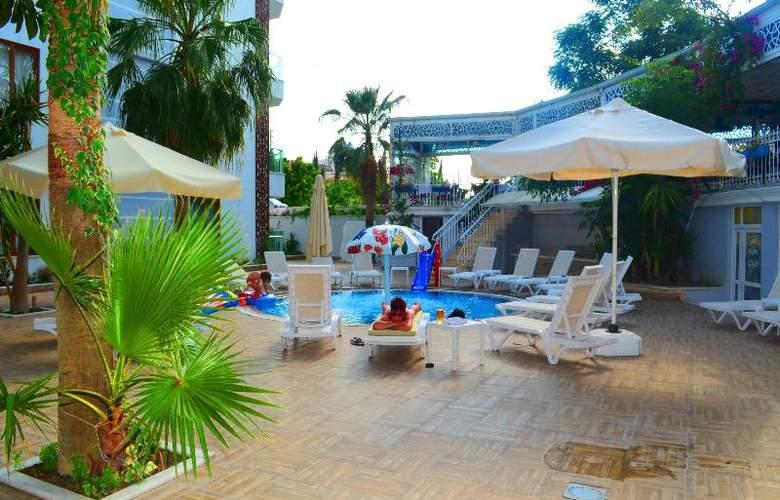 Sunbird Apart Hotel - Pool - 26