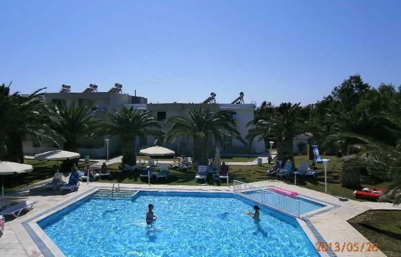 Aslanis Village - Pool - 16