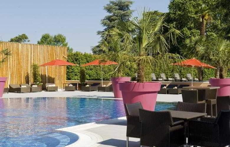 Hilton Evian-les-Bains - Pool - 5