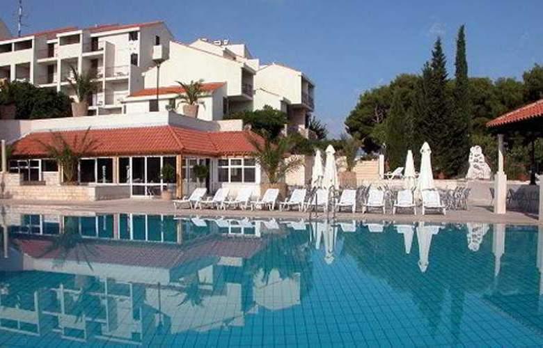 Waterman Supetrus Resort - Pool - 6