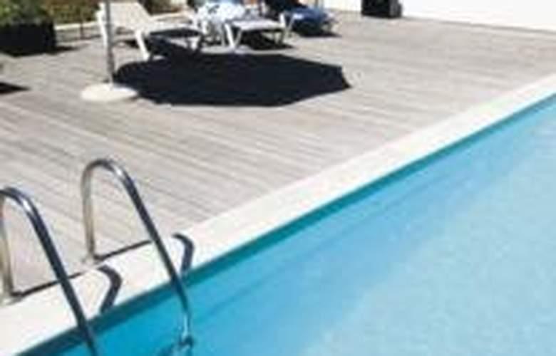 Eurosol Residence - Pool - 2