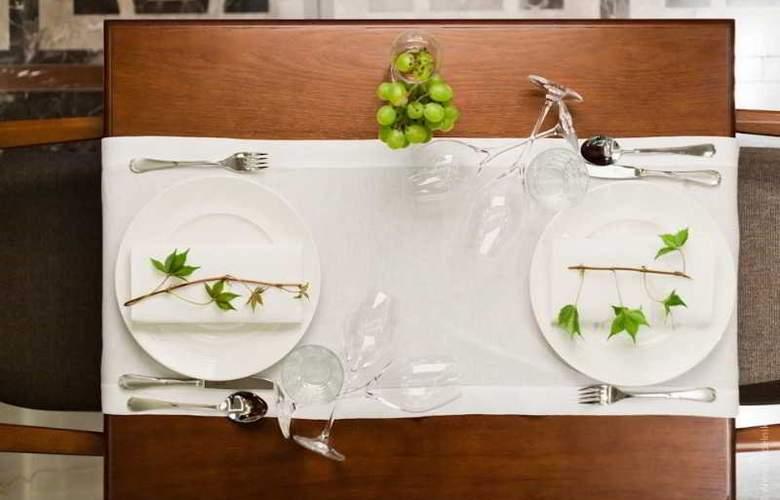 Grape Hotel - Restaurant - 7