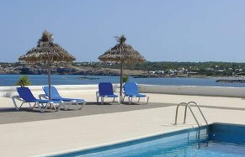 Rocabella - Pool - 2