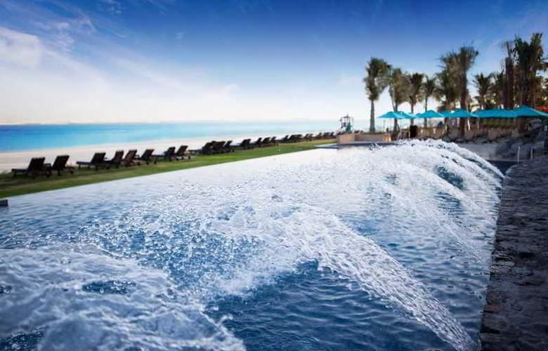 JA Palm Tree Court - Pool - 18