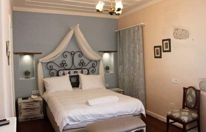 Erendira - Room - 11