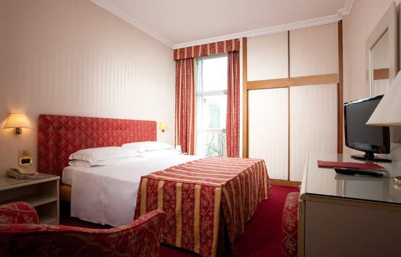 Ambasciatori - Room - 1