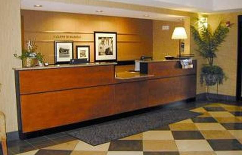Hampton Inn and Suites Munster - General - 3