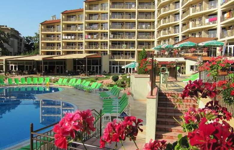 Smartline Madara - Hotel - 7