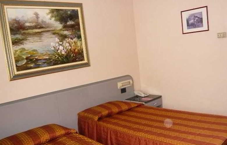 Alexander - Room - 5