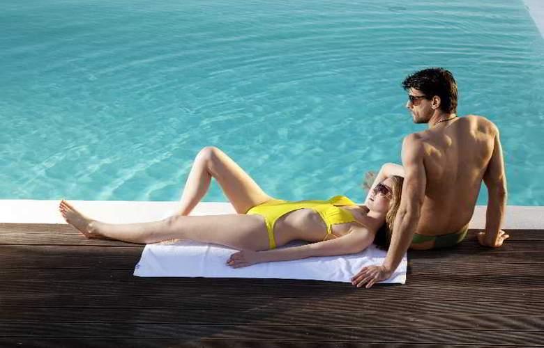 Thermes Luxury Villas - Pool - 34